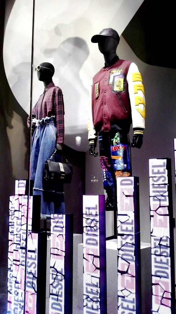 #diesel #diesel escaparate #fashion #vetrina #dieselotoño #trend #shopdiesel #haterdiesel #campaigndiesel2018 #barcelonamoda (2)
