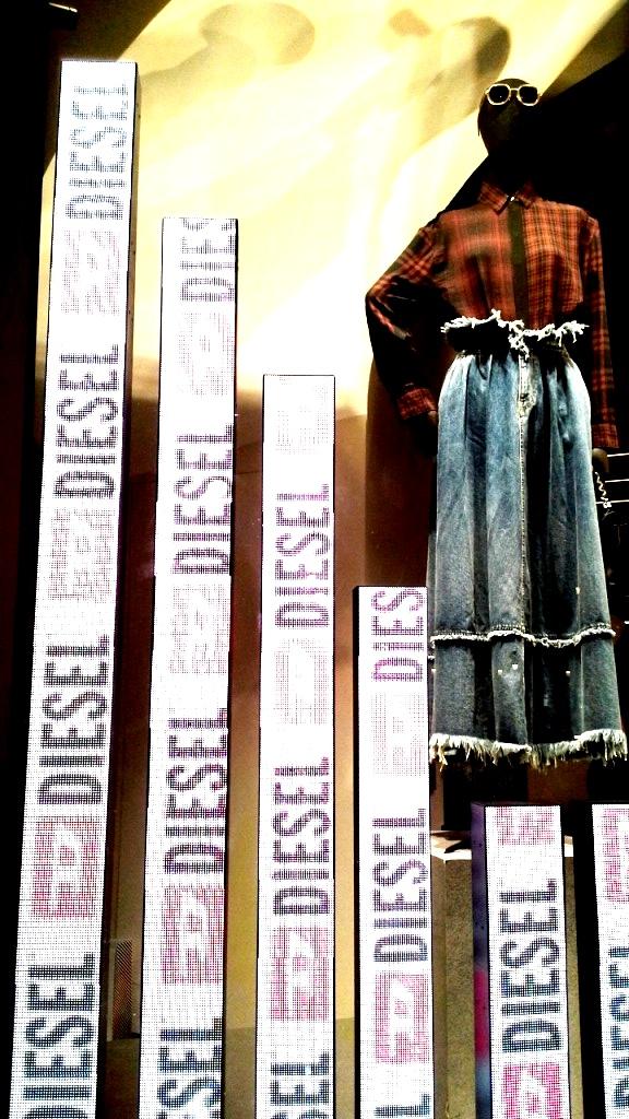 #diesel #diesel escaparate #fashion #vetrina #dieselotoño #trend #shopdiesel #haterdiesel #campaigndiesel2018 #barcelonamoda (3)