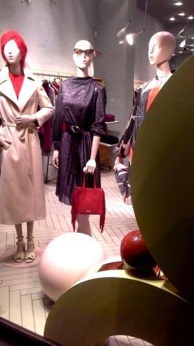 #maxandco #maxandcobarcelona #fashionmaxandco #maxandcospain #trend #escaparate #fashion (3)