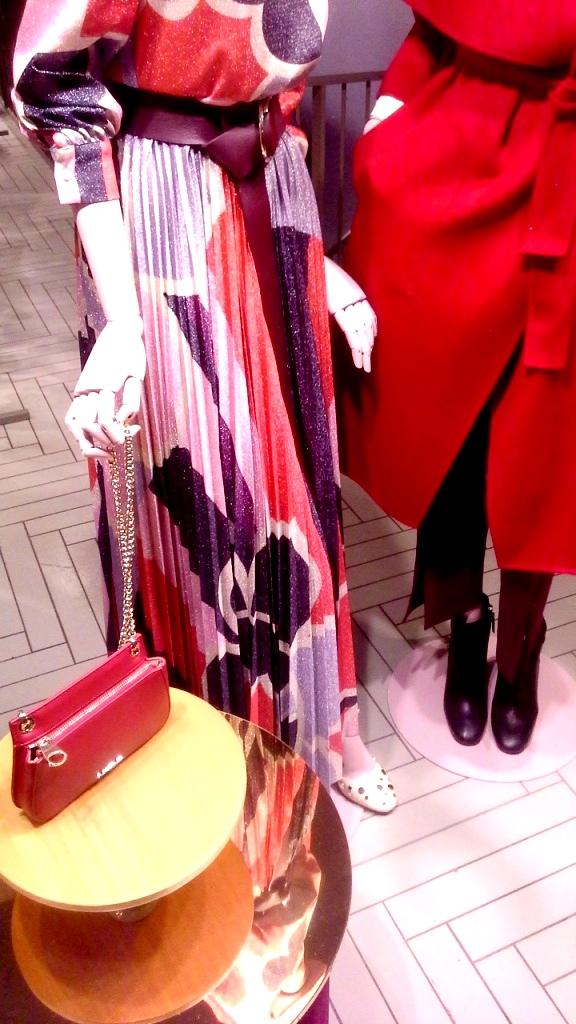 #maxandco #maxandcobarcelona #fashionmaxandco #maxandcospain #trend #escaparate #fashion (7)