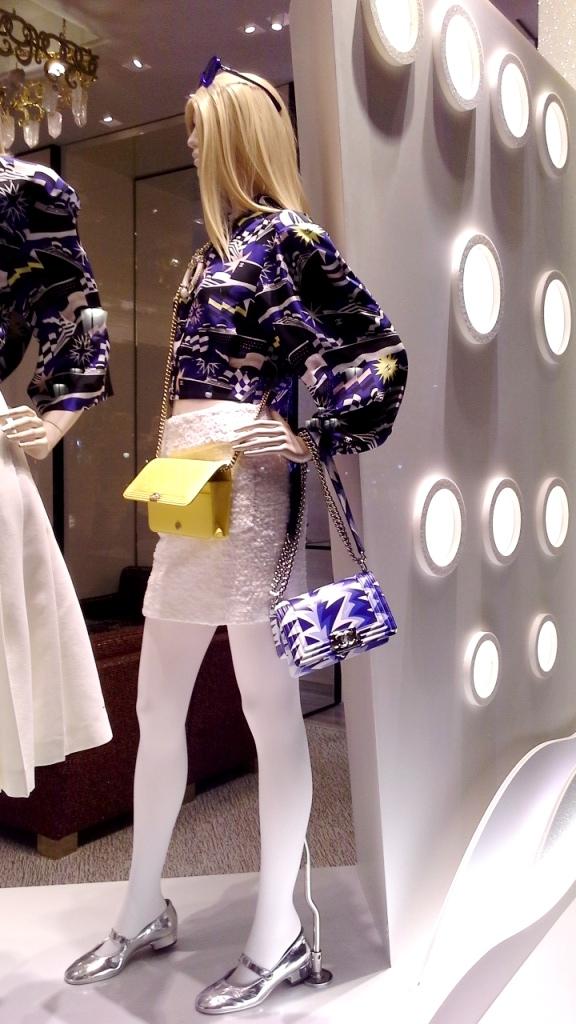 #chanel #chanelbarcelona #fashion #luxe #barcelonamoda #teviac #escaparate #window #vetrina chanel (1)