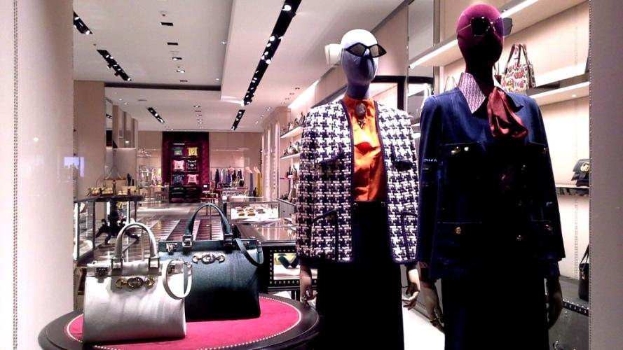 GUCCI #gucci #guccibarcelona #shoponline #barcelona #escaparate #trend #instafashion #aparador #moda #fashionbarcelona (5)