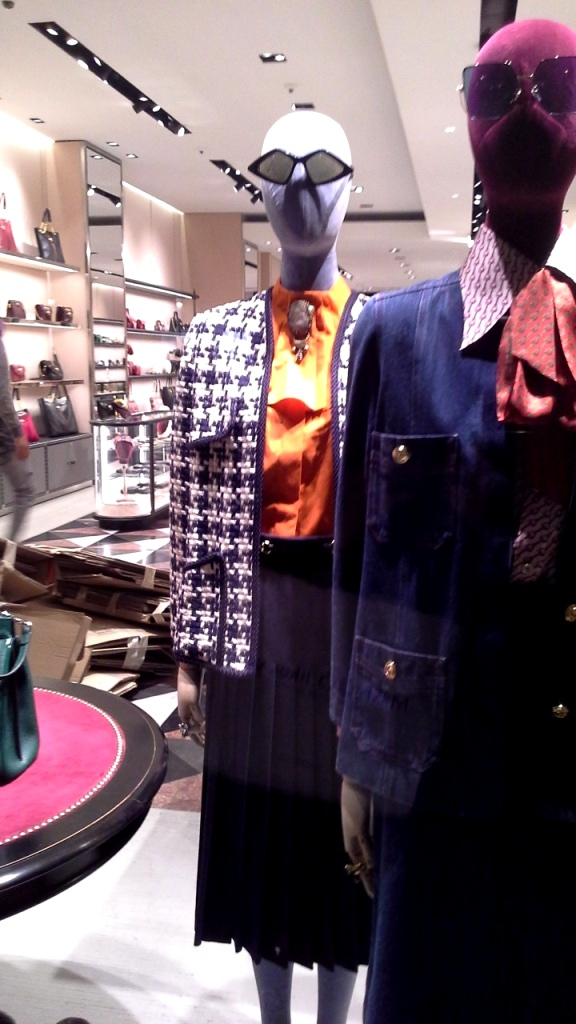 GUCCI #gucci #guccibarcelona #shoponline #barcelona #escaparate #trend #instafashion #aparador #moda #fashionbarcelona (6)