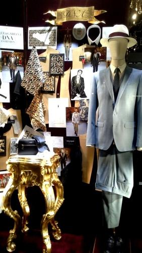 #dolcegabbana #shopdocegabbana #shoponline #luxe #escaparatebarcelona #moda #lujo #paseodegracia #modabarcelona #maniquie #vestido #comprar #comprardolcegabbana (1)