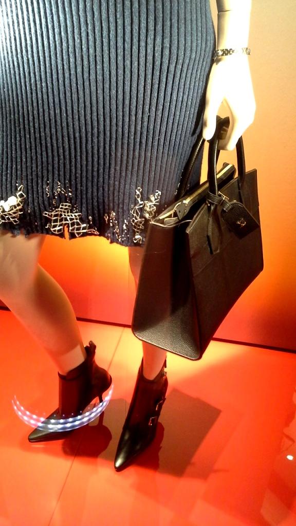 #louisvuitton #luxury #shop #paseodegracia #moda #trend #escaparate #trendy #fashion #louisvuittontrend #newarrival #lujo #teviac www.teviacescaparatismo (3)