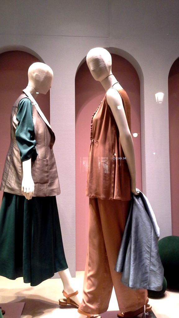 #marinarinaldi #trendy #fashion #vetrina #shop #barcelona #window #tendencia #modafemenina #shoponline (10)
