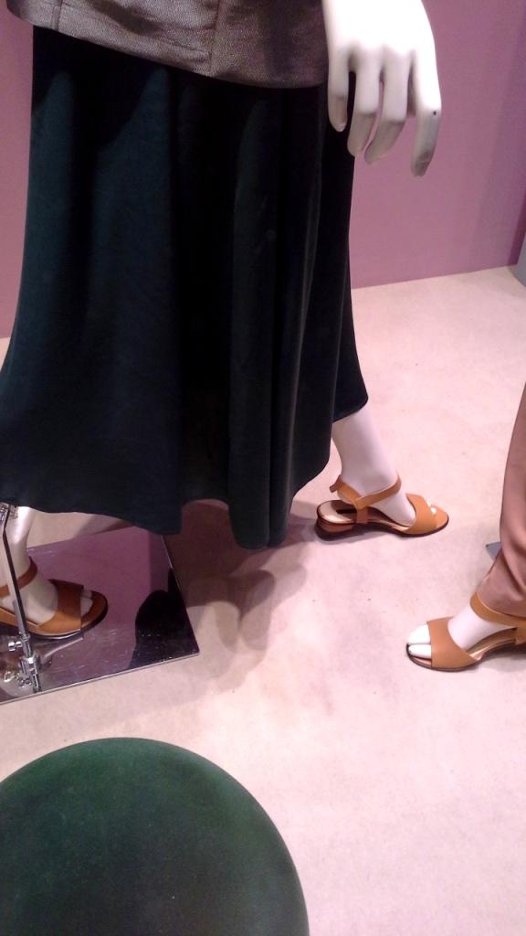 #marinarinaldi #trendy #fashion #vetrina #shop #barcelona #window #tendencia #modafemenina #shoponline (7)