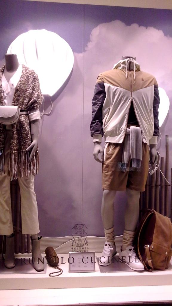 #brunellocucinelli #brunellocucinellibarcelona #trendy #fashion #escaparatebarcelona #teviac #brunellocucinellinewcollection #ss2019 #aparador (1)