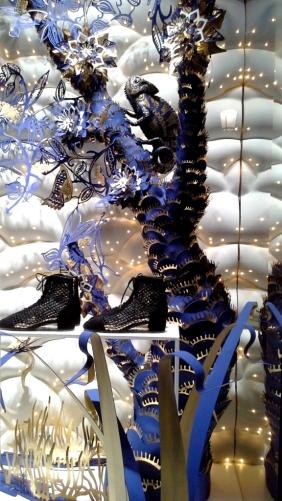 #dior #diorescaparate #diorvetrina #diorbarcelona #paseodegraciadior #luxurydior #shopdior #trendy #influencerdior #comprar #newcollectiondior (12)
