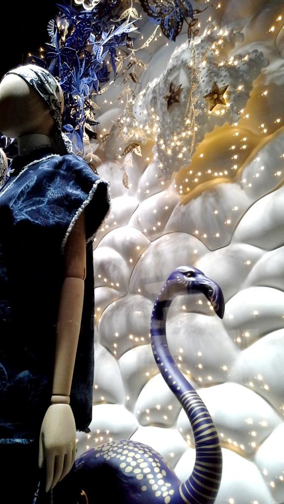 #dior #diorescaparate #diorvetrina #diorbarcelona #paseodegraciadior #luxurydior #shopdior #trendy #influencerdior #comprar #newcollectiondior (5)