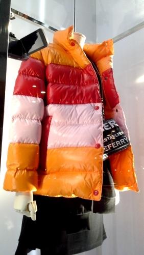 #burberry #burberrybarcelona #escaparateburberry #christmasburberry #trendy #shoponlineburberry (5)