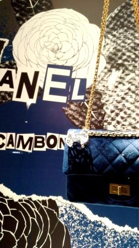 #chanel #chanelescaparate #luxury #chanelshop #chanelspain #chanelnewarrival #shoponline #lujo #tendencia #chaneltrendy #vetrinachanel #teviac #escaparateloverchanel #apa (10)
