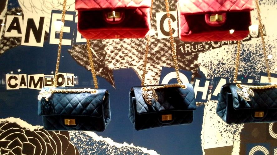 #chanel #chanelescaparate #luxury #chanelshop #chanelspain #chanelnewarrival #shoponline #lujo #tendencia #chaneltrendy #vetrinachanel #teviac #escaparateloverchanel #apa (8)