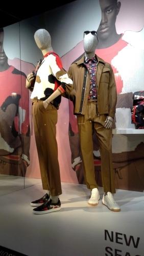 #hugoboss #hugobossbarcelona #hugobosscomprarahora #hugobosspaseodegracia #shoponline #hugobosstrendy #fashion #newcollection #escaparatelover #yomequedoencasa #hugobossspring202 (6)