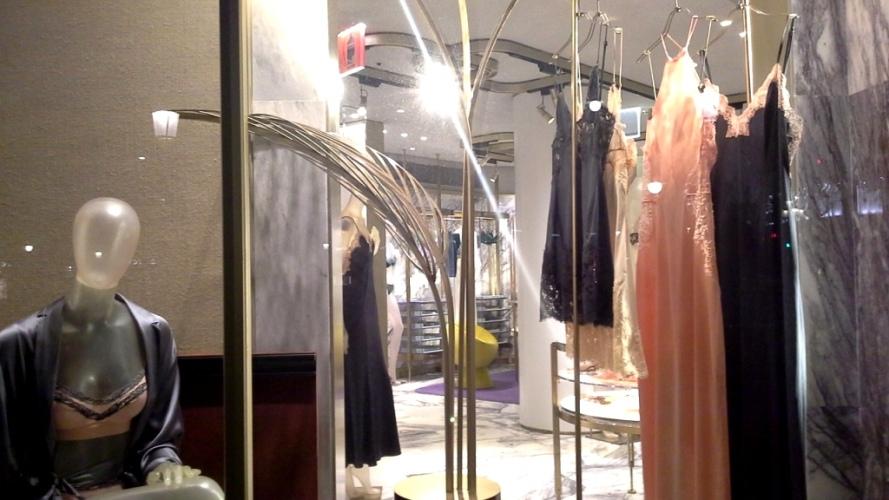#laperla #laperlaspain #comprarlaperla #paseodegracia #fashion #moda #escaparate #trendy #teviac #escaparatelover www.teviacescaparatismo.com (8)