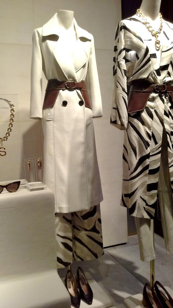 #uterque #paseodegracia #barcelona #fashion #compraonline #vestido #influencer #moda #tendencia #trendy2020 (4)