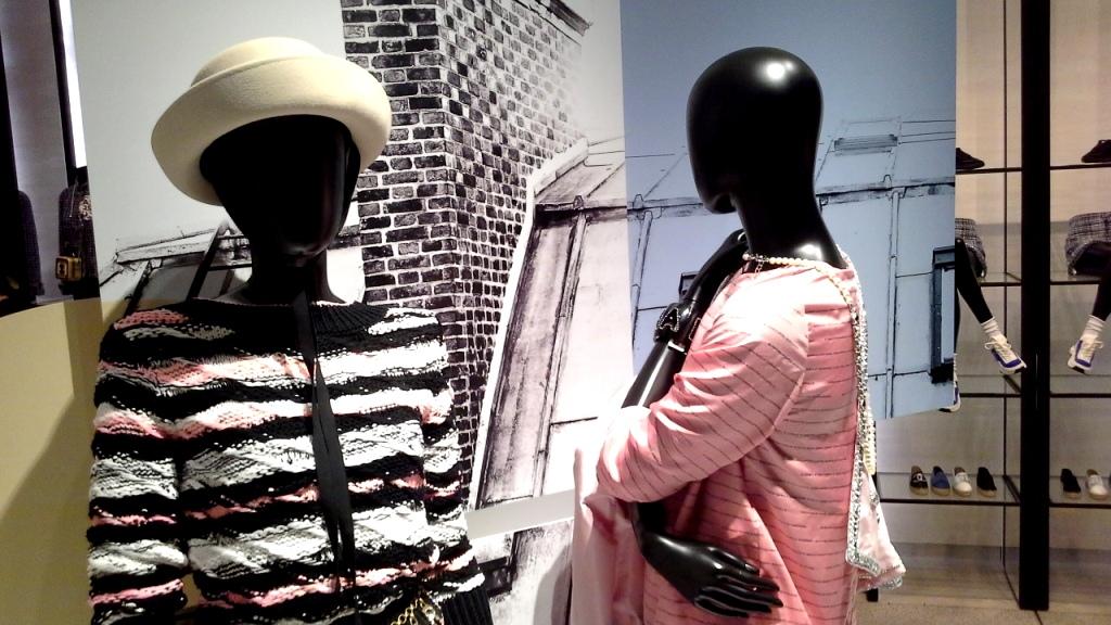 #chanel #chanelescaparate #chanelbarcelona #paseodegraciachanel #fashion #chanelnewcollection #teviac #escaparatelover #chanelsummer20 www.teviacescaparatismo.com (8)