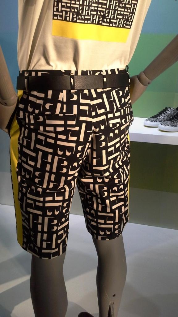 #hugoboss #hugobossbarcelona #comprarahora #fashion #teviac #escaparate #retail #vetrina #hugobossss20 #trendy #moda #aparador (10)