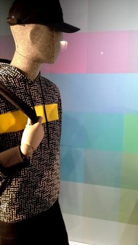 #hugoboss #hugobossbarcelona #comprarahora #fashion #teviac #escaparate #retail #vetrina #hugobossss20 #trendy #moda #aparador (7)