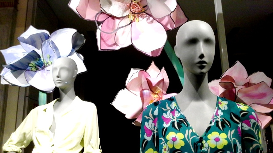 #anthropologie #escaparate #shoponline #aparador #vetrina #fashion #barcelona #paseodegracia #trendy #moda www.teviacescaparatismo.com (11)