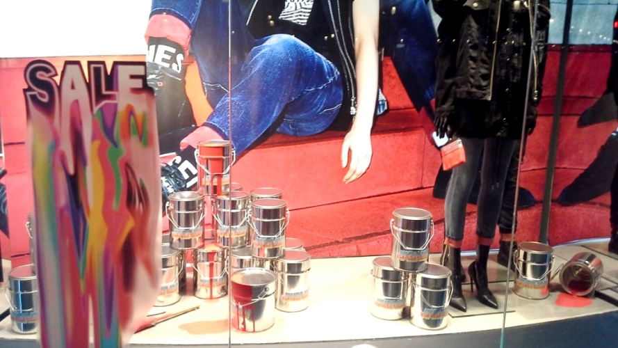 #diesel #dieselbarcelona #dieselpaseodegracia #shoponline #comprar #moda #aparador #luxury #influencer #fashionblog (3)