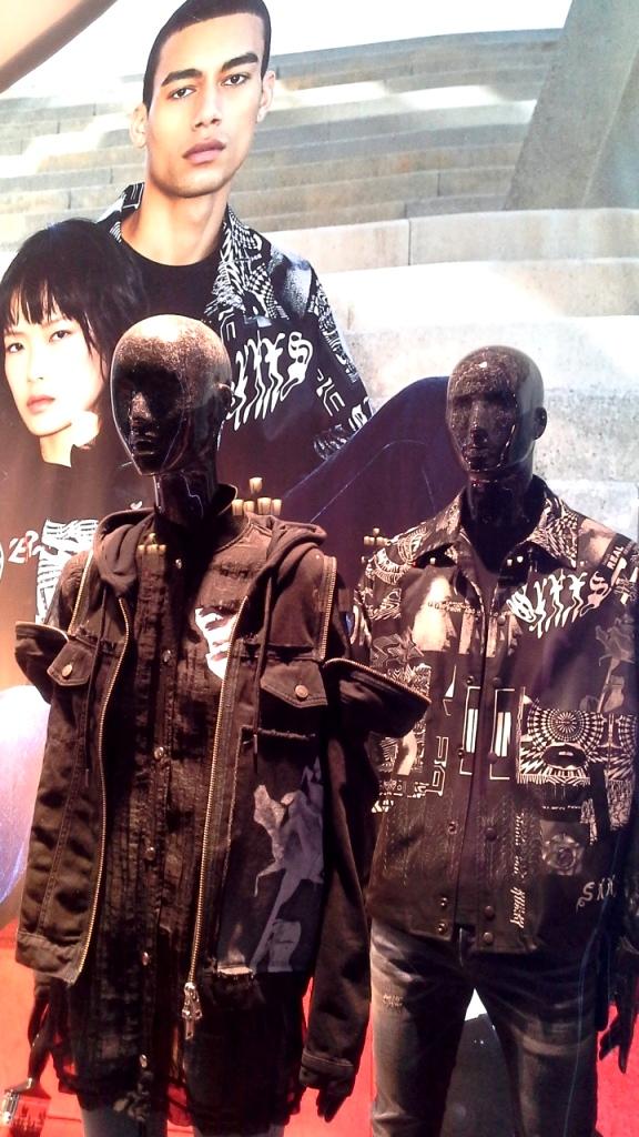 #diesel #dieselbarcelona #dieselpaseodegracia #shoponline #comprar #moda #aparador #luxury #influencer #fashionblog (7)